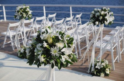 Agent Finds Cruise Weddings a Romantic  and Profitable  Niche